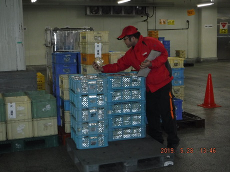 【庫内作業スタッフ募集!】食品メーカーでの出荷、検品のお仕事です。
